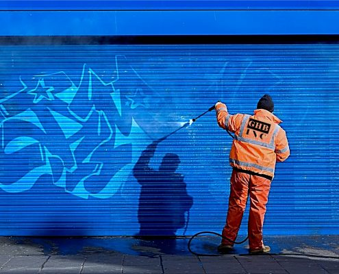 Removing graffiti easily with anti graffiti coating new zealand