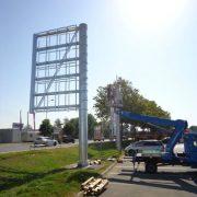 Powder coating in advertising masts